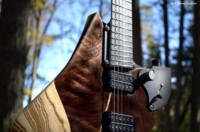Luna-Guitar