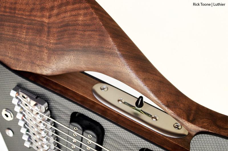 Eight-String-Guitar