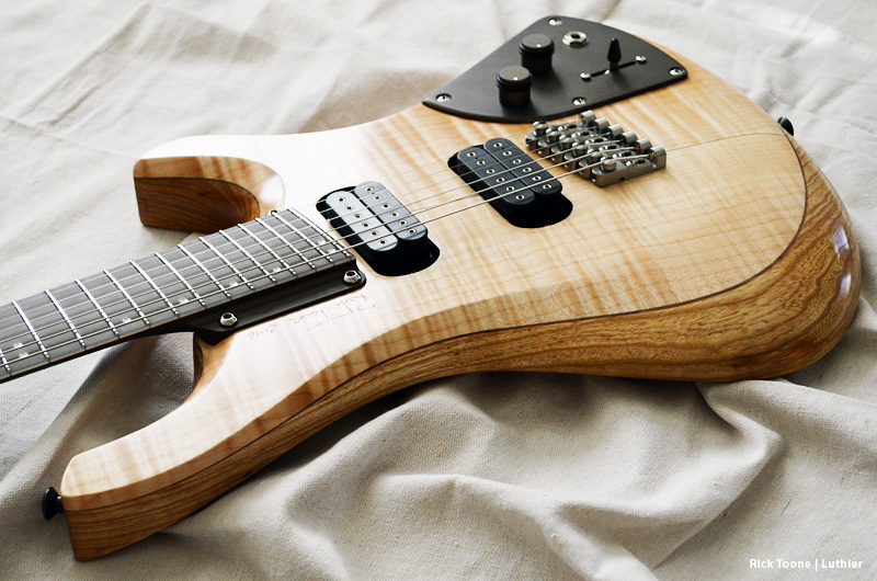 Curly-Flame-Maple-Guitar